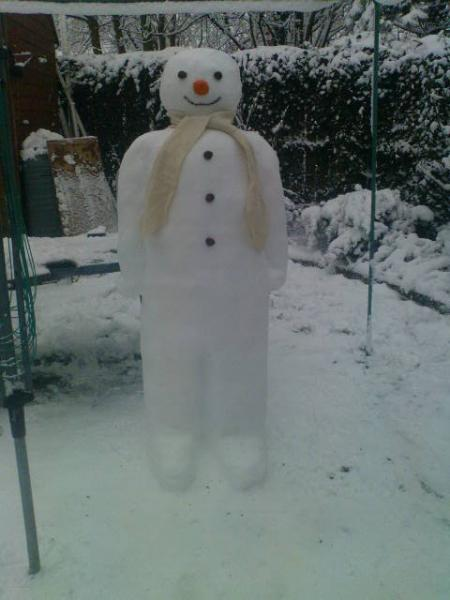 Walking in the air: Raymond Briggs would be proud of this Swindon snowman