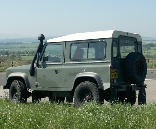 Stolen: distinctive Land Rover 90