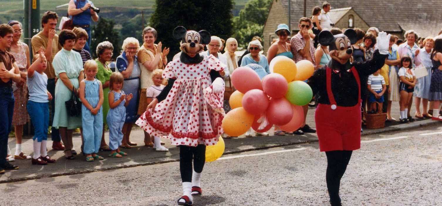 Villagers turn out in force for exhibition of carnival pictures