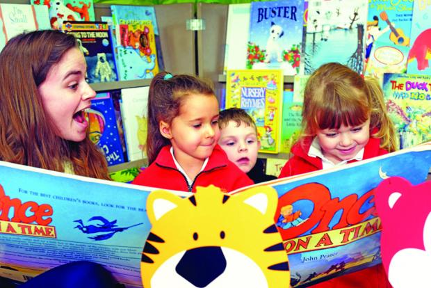 Volunteer reading scheme expanded in Darlington schools after early success (file pic)