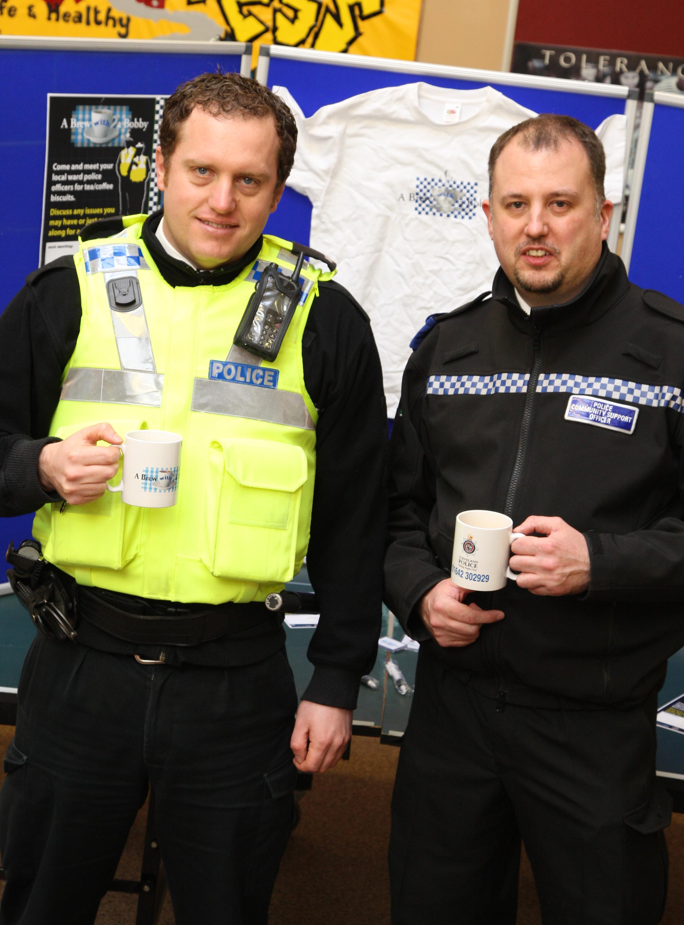 Lingdale residents can have a 'Brew with a Bobby' at Lingdale Youth and Community Centre. PC Paul Hutchinson, left, and PCSO Paul Payne