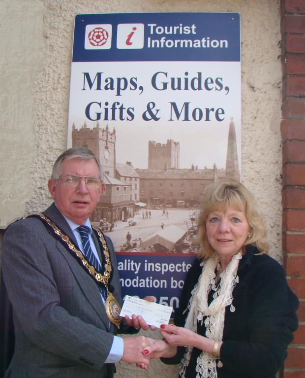 Darlington and Stockton Times: Richmond Mayor Bob White with Hilda Ellis from Richmond TIC