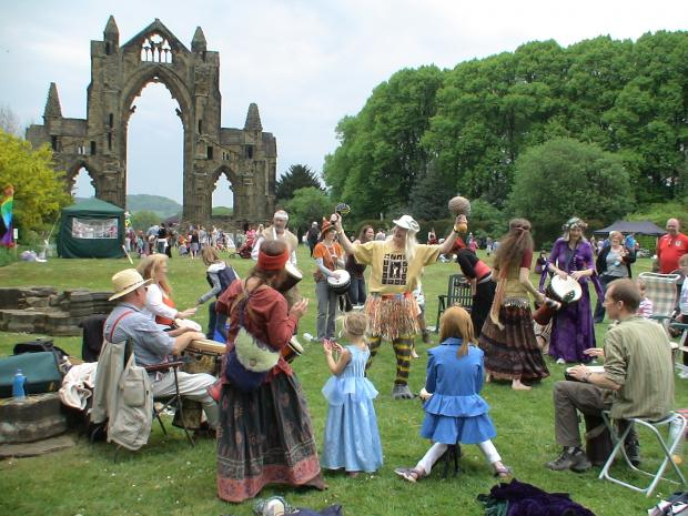 Ee By Drum, who return this year, entertaining the crowds at Picnic in the Priory 2011