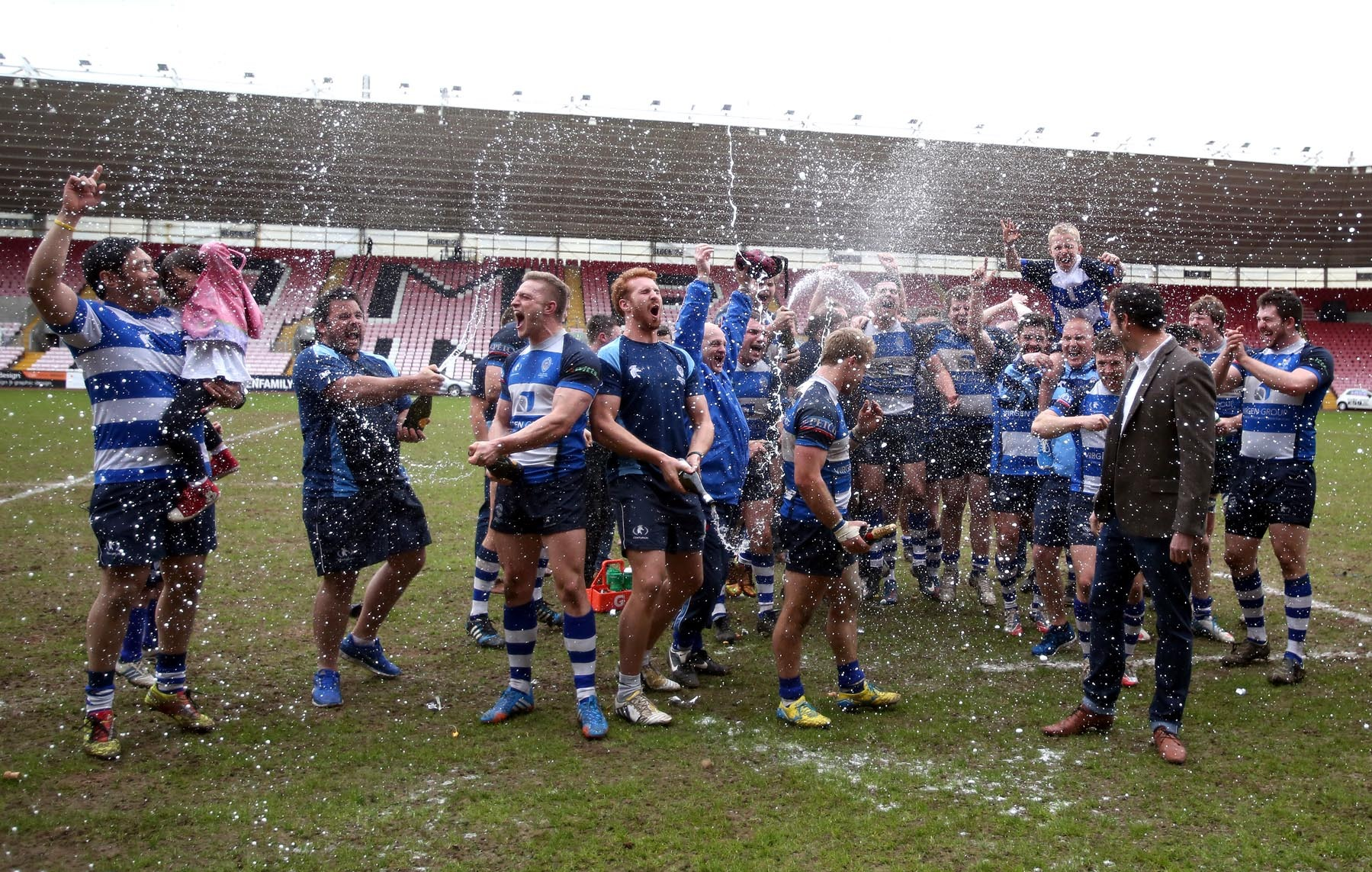 Mowden seal late, late promotion
