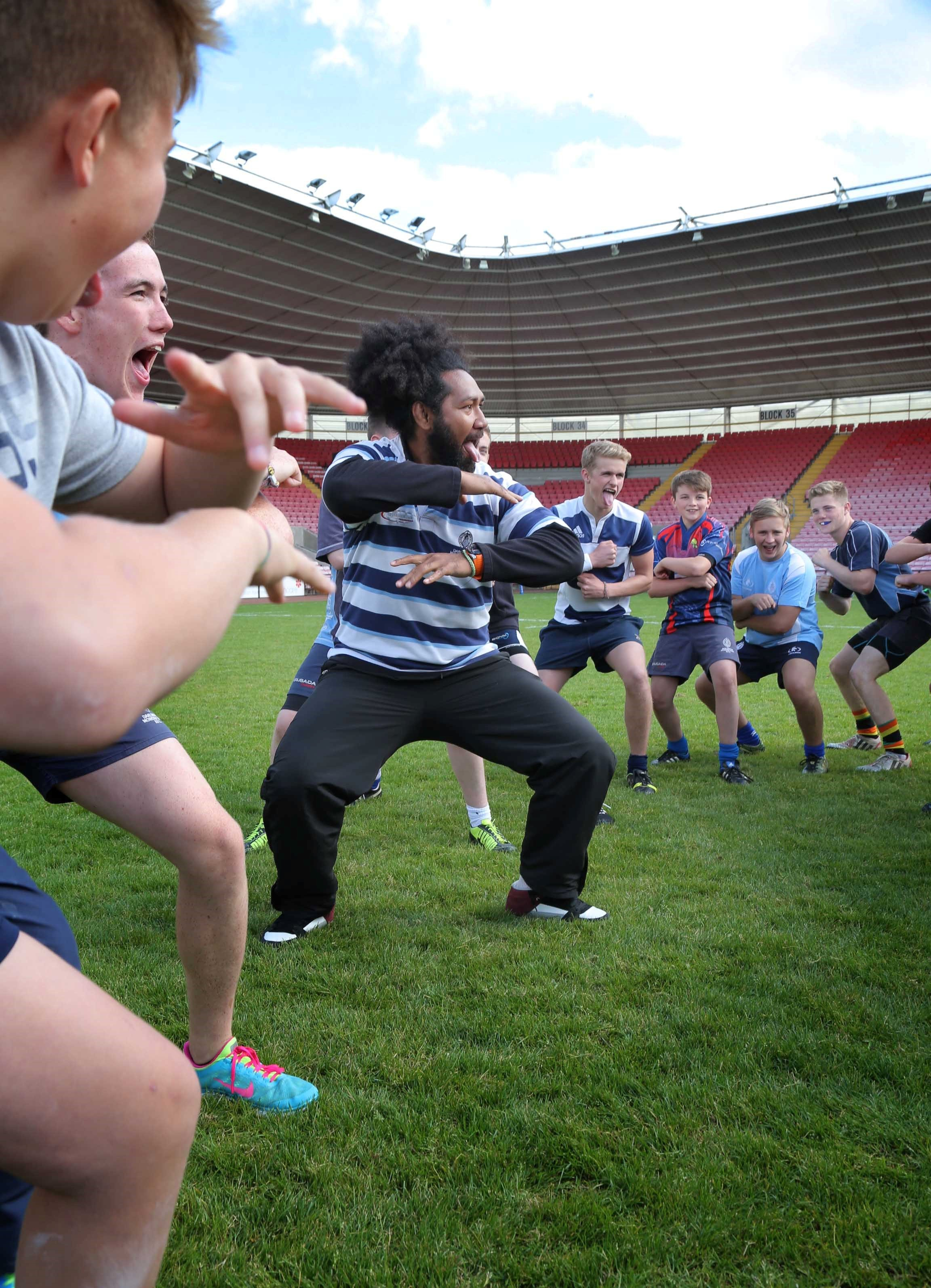 DO THE HAKA: Talite Vaioleti instructs young players to do the Haka at the Darlington Arena.            Picture: ANDY LAMB (10031108)